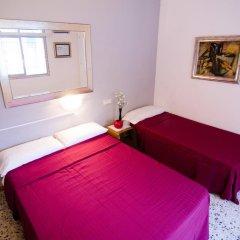 Отель Málaga Inn 2* Стандартный номер с различными типами кроватей (общая ванная комната) фото 5