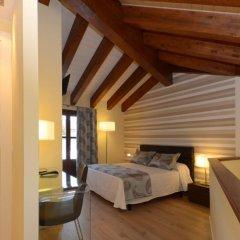Отель Apartamentos El Palacete de Ainsa комната для гостей фото 2