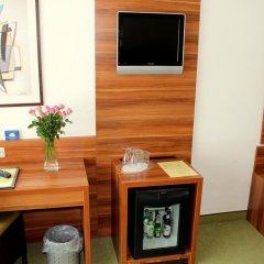 Hotel Wallis 3* Номер Комфорт с двуспальной кроватью фото 3