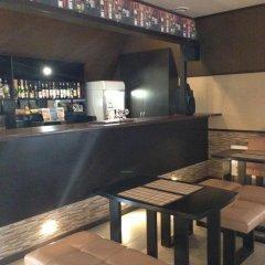 Гостиница Le-Man Inn гостиничный бар