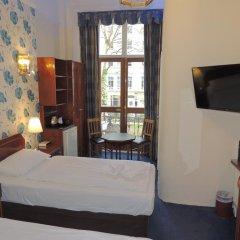 Dolphin Hotel 3* Стандартный номер с различными типами кроватей фото 25