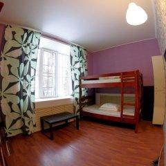 Hostel Panamas Стандартный семейный номер с разными типами кроватей фото 8