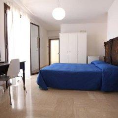Отель Crispi 10 Италия, Флорида - отзывы, цены и фото номеров - забронировать отель Crispi 10 онлайн комната для гостей фото 3
