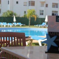 Отель Aqua Mar - Moon Dreams Португалия, Албуфейра - отзывы, цены и фото номеров - забронировать отель Aqua Mar - Moon Dreams онлайн бассейн фото 3