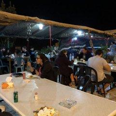 Отель Valentine Inn Иордания, Вади-Муса - отзывы, цены и фото номеров - забронировать отель Valentine Inn онлайн питание