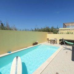 Отель Ferrel Surf House бассейн фото 2