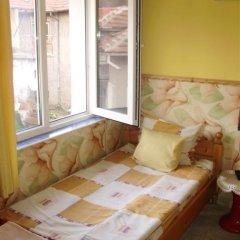 Отель Bonevi Guest House Болгария, Боженци - отзывы, цены и фото номеров - забронировать отель Bonevi Guest House онлайн комната для гостей фото 4