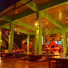 Отель Mountain Reef Beach Resort гостиничный бар