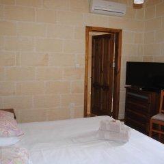 Отель Gozo Hills Bed and Breakfast комната для гостей фото 4