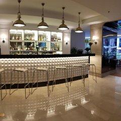 Отель Meliá Kuala Lumpur Малайзия, Куала-Лумпур - отзывы, цены и фото номеров - забронировать отель Meliá Kuala Lumpur онлайн гостиничный бар фото 2
