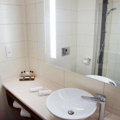 Отель Best Western Premier Sofia Airport Hotel Болгария, София - 1 отзыв об отеле, цены и фото номеров - забронировать отель Best Western Premier Sofia Airport Hotel онлайн ванная фото 3