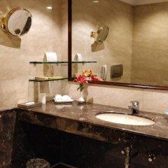 Отель The Suryaa New Delhi 5* Люкс повышенной комфортности с различными типами кроватей фото 3