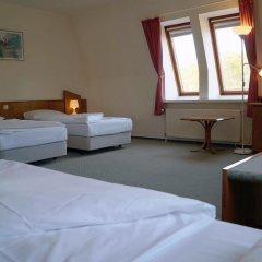 Entrée Hotel Glinde 3* Стандартный номер с 2 отдельными кроватями (общая ванная комната) фото 9