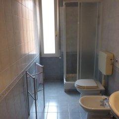 Отель Residenza Ugo Bassi Италия, Болонья - отзывы, цены и фото номеров - забронировать отель Residenza Ugo Bassi онлайн ванная