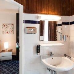 Отель Centro Hotel Hamburg Германия, Гамбург - отзывы, цены и фото номеров - забронировать отель Centro Hotel Hamburg онлайн ванная