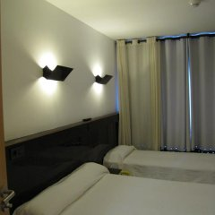 Отель Hostal Athenas Стандартный номер с различными типами кроватей фото 7