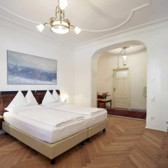 Отель Ottmanngut Suite and Breakfast Меран комната для гостей фото 3