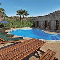 Отель Razzett Perla Мальта, Гасри - отзывы, цены и фото номеров - забронировать отель Razzett Perla онлайн бассейн фото 3