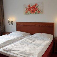 Отель Amadeus Pension 3* Стандартный номер с двуспальной кроватью фото 13