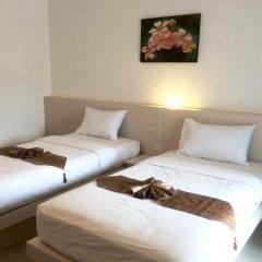 Phuthara Hostel Номер Делюкс с 2 отдельными кроватями фото 13