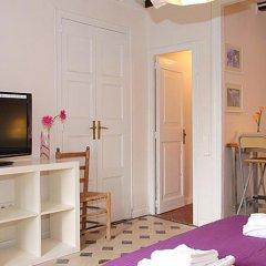 Апартаменты Rent4Days Ramblas Apartments Барселона комната для гостей фото 4