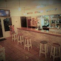 Отель Alcamino Испания, Санта-Крус-де-Бесана - отзывы, цены и фото номеров - забронировать отель Alcamino онлайн гостиничный бар