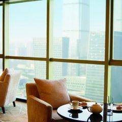 Отель Sheraton Shenzhen Futian Hotel Китай, Шэньчжэнь - отзывы, цены и фото номеров - забронировать отель Sheraton Shenzhen Futian Hotel онлайн балкон