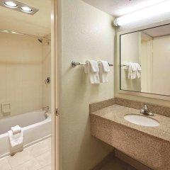 Отель La Quinta Inn & Suites San Diego SeaWorld/Zoo Area 2* Номер Делюкс с различными типами кроватей