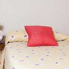 Отель Hostal Salamanca Стандартный номер с различными типами кроватей (общая ванная комната) фото 8