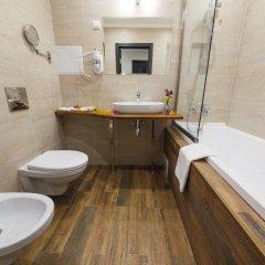 Гостиница Голубая Лагуна Люкс с двуспальной кроватью фото 4