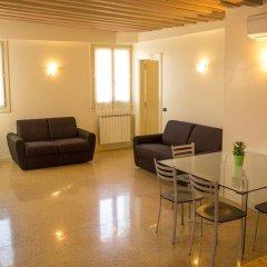 Отель Ca' dei Mercanti Италия, Венеция - отзывы, цены и фото номеров - забронировать отель Ca' dei Mercanti онлайн комната для гостей фото 2