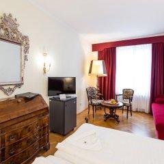 Hotel Royal 4* Улучшенный номер с разными типами кроватей фото 4