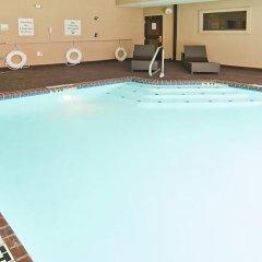 Отель Holiday Inn Vicksburg США, Виксбург - отзывы, цены и фото номеров - забронировать отель Holiday Inn Vicksburg онлайн бассейн