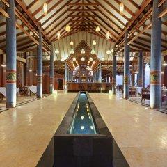 Отель Furaveri Island Resort & Spa интерьер отеля