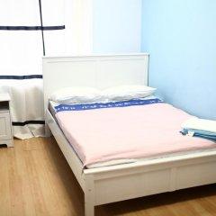 Fantomas Hostel Номер Эконом двуспальная кровать фото 5