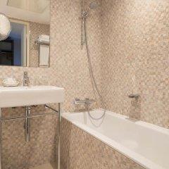 Отель Aston Франция, Париж - 7 отзывов об отеле, цены и фото номеров - забронировать отель Aston онлайн ванная