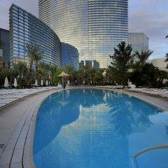 Отель Luxury Suites International by Vdara США, Лас-Вегас - отзывы, цены и фото номеров - забронировать отель Luxury Suites International by Vdara онлайн бассейн фото 2