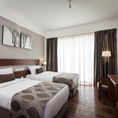 Отель The Ocean Colombo 3* Улучшенный номер с различными типами кроватей фото 2