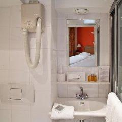 Tonic Hotel Du Louvre 3* Стандартный семейный номер с двуспальной кроватью
