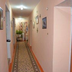 Отель Guest House on Derbisheva Кыргызстан, Каракол - отзывы, цены и фото номеров - забронировать отель Guest House on Derbisheva онлайн интерьер отеля фото 3