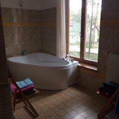 Отель Vilavi Place for a Large Company Латвия, Юрмала - отзывы, цены и фото номеров - забронировать отель Vilavi Place for a Large Company онлайн ванная