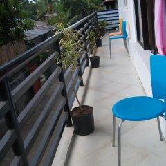 Отель Charm Guest House - Hostel Филиппины, Пуэрто-Принцеса - отзывы, цены и фото номеров - забронировать отель Charm Guest House - Hostel онлайн балкон