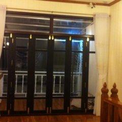 Отель The Royal ThaTien Village интерьер отеля фото 3