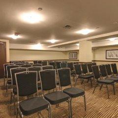 Отель La Quinta Inn & Suites Oshawa фото 2