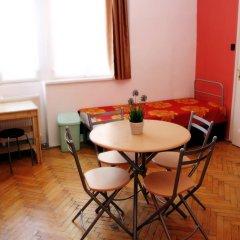 Budapest Budget Hostel Стандартный номер с различными типами кроватей (общая ванная комната) фото 19