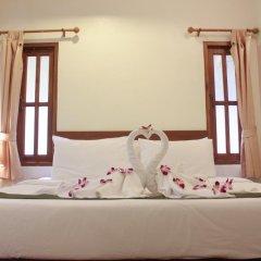Отель Bangtao Village Resort 3* Номер Делюкс с двуспальной кроватью
