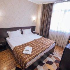 Hotel SunRise Osh Стандартный номер с двуспальной кроватью