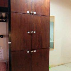 Dengba Hostel Phuket Кровать в общем номере с двухъярусной кроватью фото 7