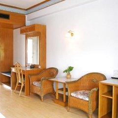 Отель Golden Sand Inn комната для гостей фото 11