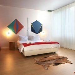 Отель Un-Almada House - Oporto City Flats Порту сейф в номере